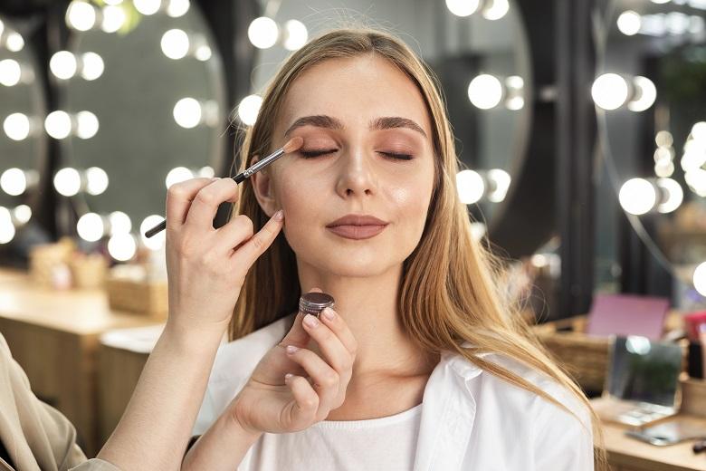 home_makeup_gallery1